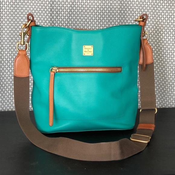 Dooney & Bourke Handbags - Dooney & Bourke Crossbody Handbag